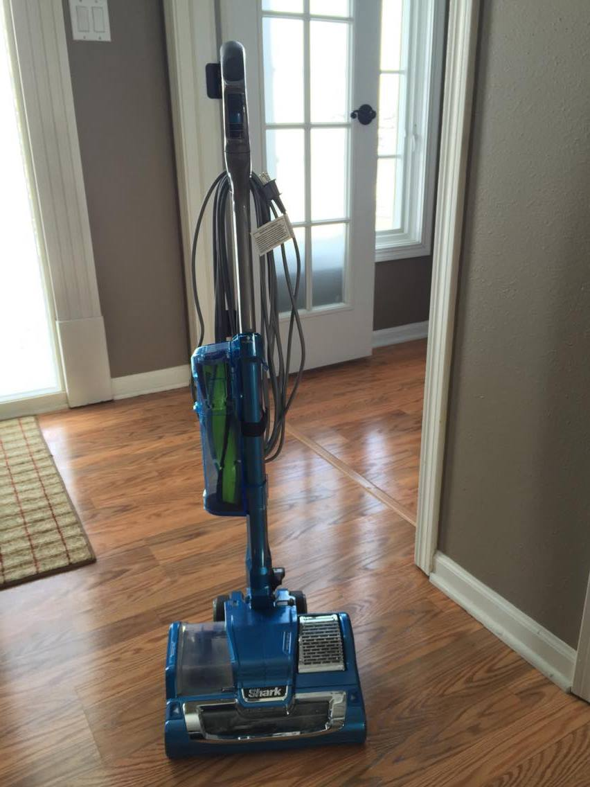 Shark Rocket Powerhead Cleaning Wood And Carpet With This