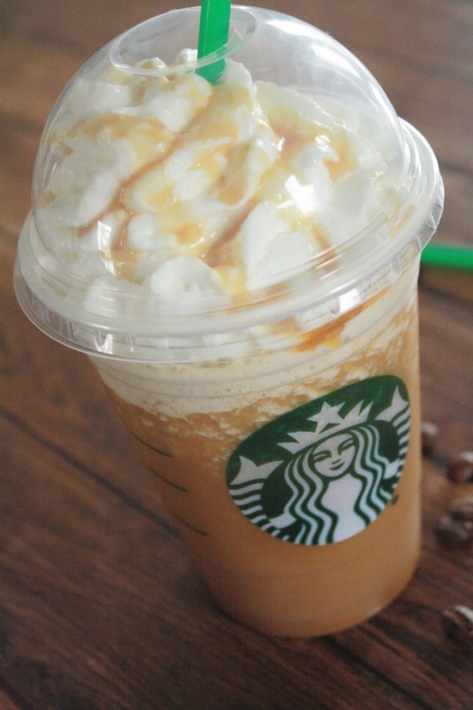 How to Make a Vanilla Frappuccino