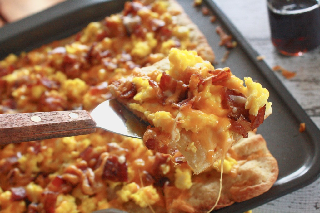 If you're looking for a tasty easy breakfast pizza recipe, this is the ingredient list to reach for! So amazingly easy - and truly so delicious!