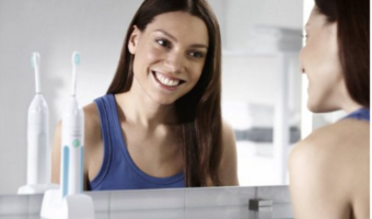 philips-sonicare-essence-sonic-electric-rechargeable-toothbrush
