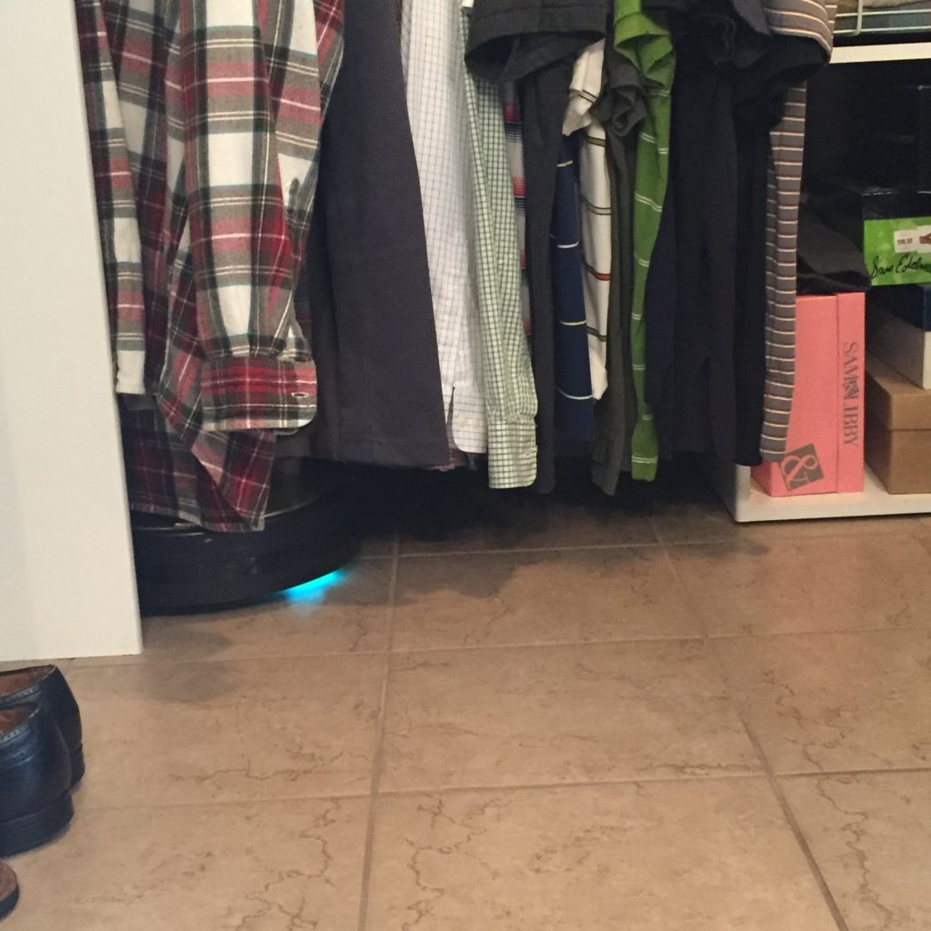 bobsweep-cleans-closets-ad