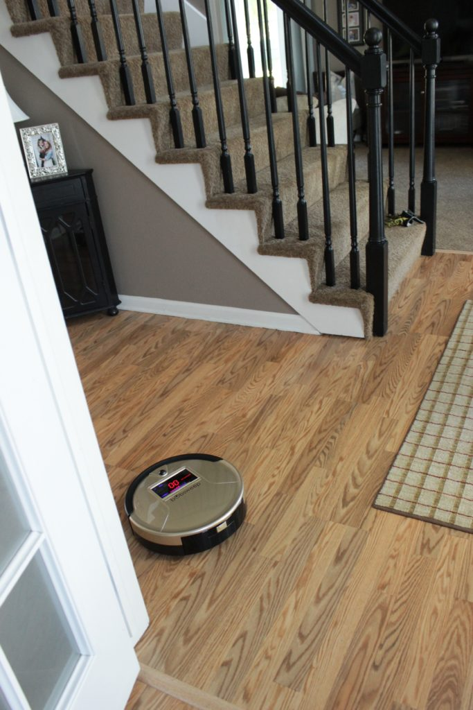 bobsweep-cleans-entryways-ad