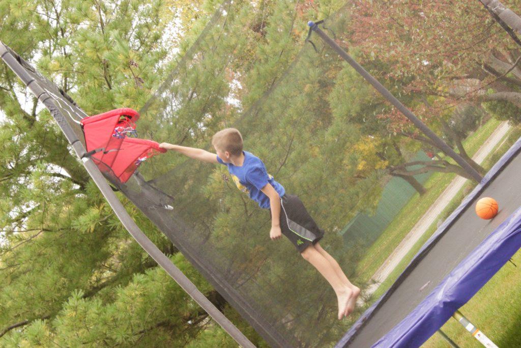 trampoline-basketball-goal