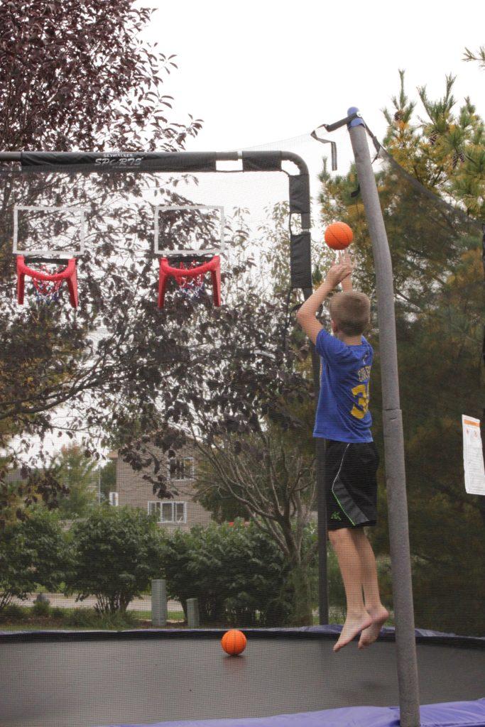 trampoline-basketball-hoop