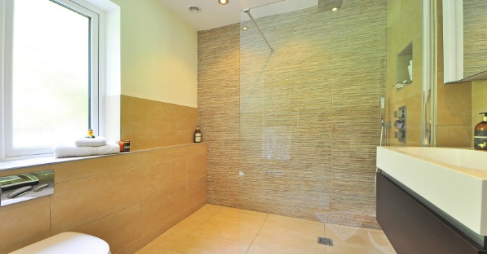Best way to clean shower glass and shower walls for Best way to clean bathroom