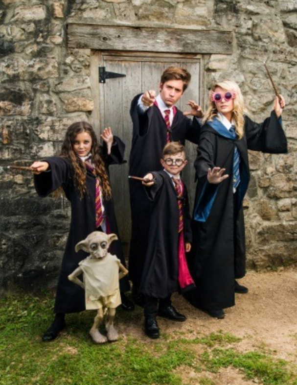 Halloween Costumes Ideas For Family Of 5.Ten Popular Family Costume Ideas To Consider This Year