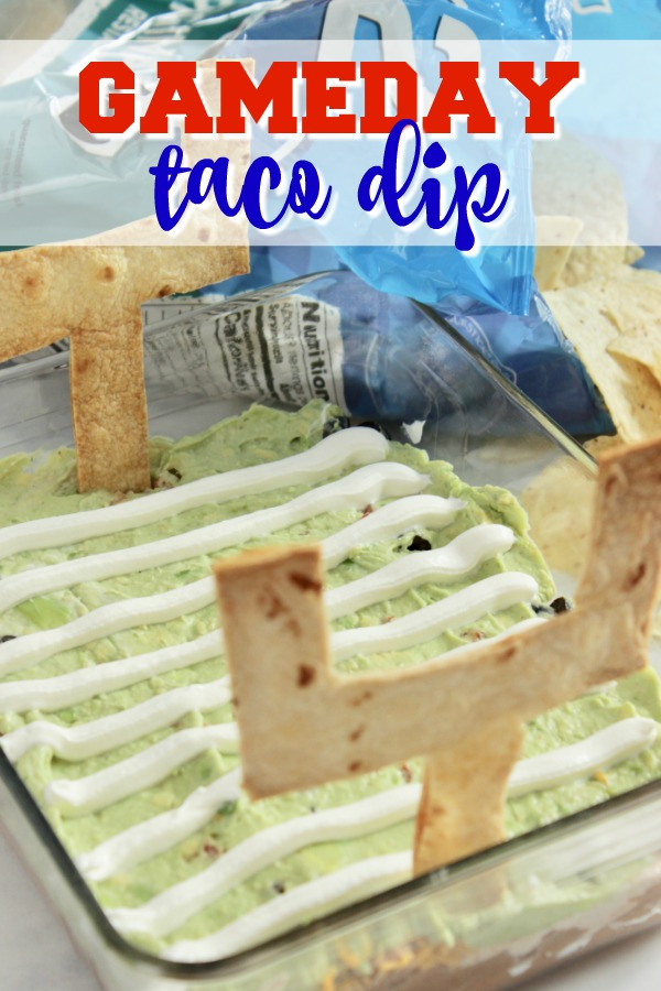 Looking for football party food appetizers and appetizer ideas? Try this homegating appetizer stat! #appetizer #dips #keto #lowcarb