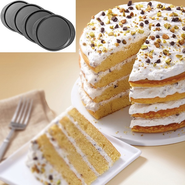 how to cut a round layer cake