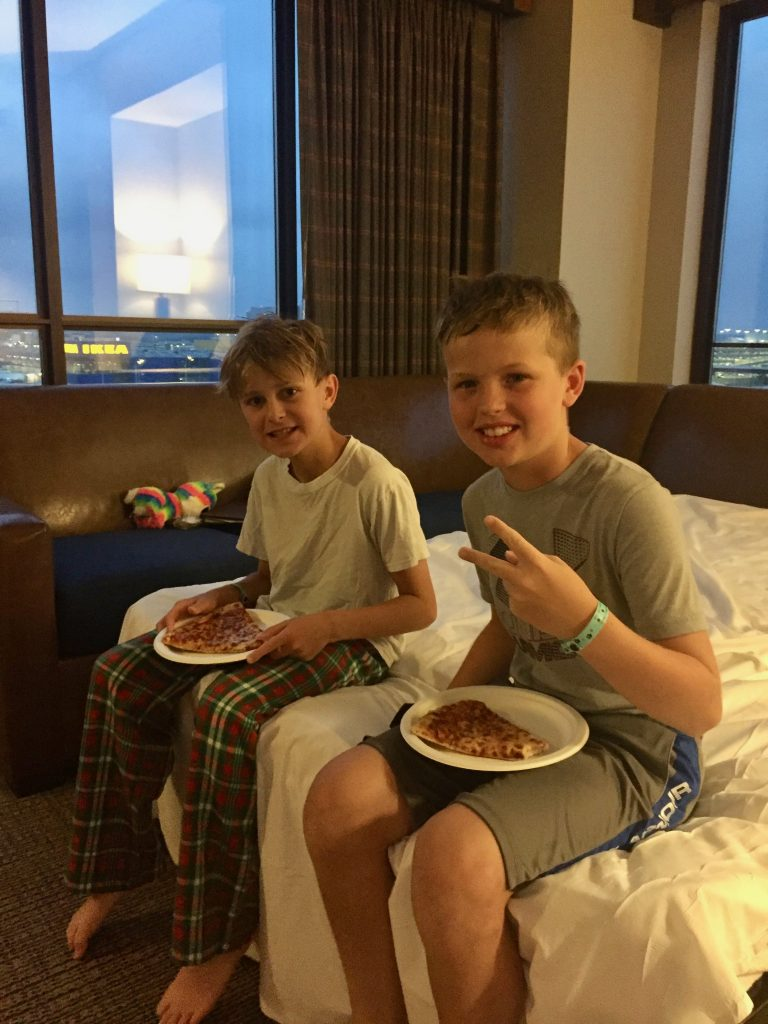 dining at great wolf lodge